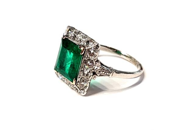 1.92ct Columbian Art deco emerald engagement ring - image 2