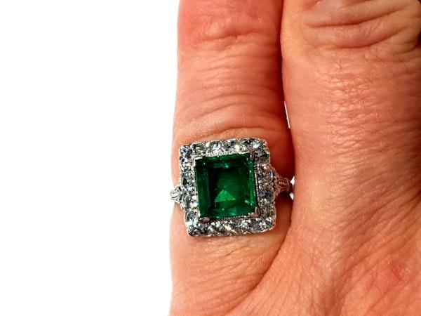 1.92ct Columbian Art deco emerald engagement ring - image 4