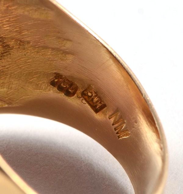 1950's European 18ct Yellow Gold Amethyst stone set Ring, SHAPIRO & Co - image 4