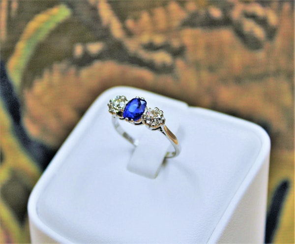 An extremely beautiful Sapphire and Diamond Three Stone Ring, Circa 1935. - image 1