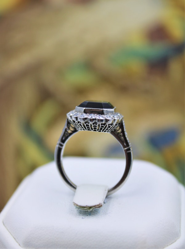 A very fine Green Tourmaline Cluster Ring set in Platinum, Pre-Owned - image 3