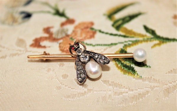 A Natural Pearl, Diamond and Ruby Fly Brooch, Russian, Circa 1890 - image 2