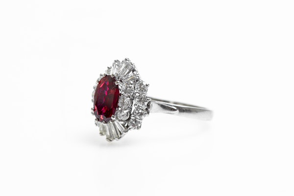 A very fine 18 Carat White Gold (tested) Oval Natural Untreated Siam Ruby (1.71 Carats) and Diamond Cluster Ring, Circa 1970 - image 3
