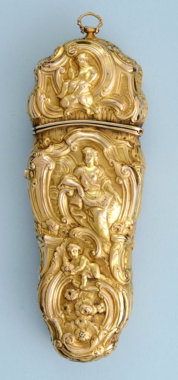 VERY FINE GOLD REPOUSSE SEWING ETUI - image 6