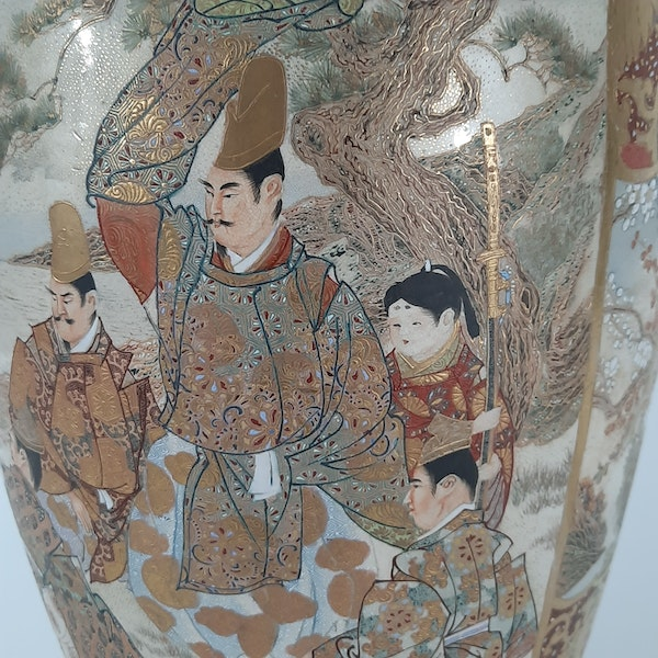 Japanese Satsuma vases with Samurai decoration - image 1