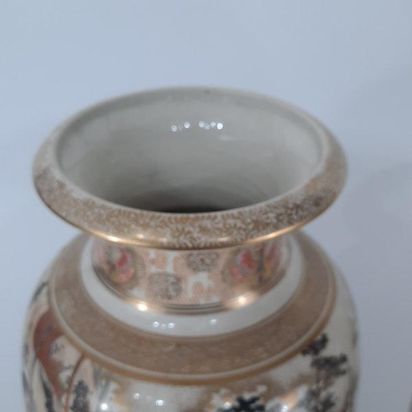 Pair Japanese Satsuma vases with decoration of Samurai - image 3