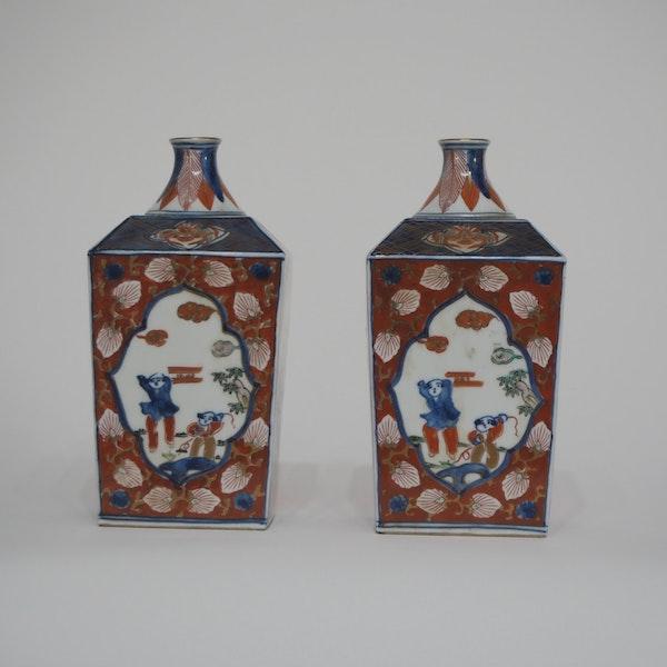 Pair Japanese imari square vases - image 1