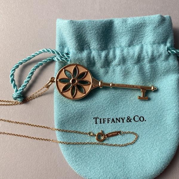 Date 2010's, Tiffany & Co 18ct Yellow Gold and Diamond Daisy Key Pendant,,,,,,, SHAPIRO & Co - image 3