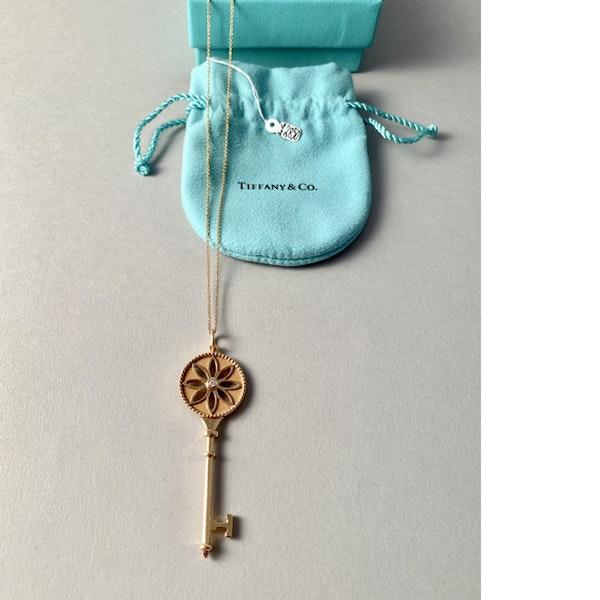 Date 2010's, Tiffany & Co 18ct Yellow Gold and Diamond Daisy Key Pendant,,,,,,, SHAPIRO & Co - image 5