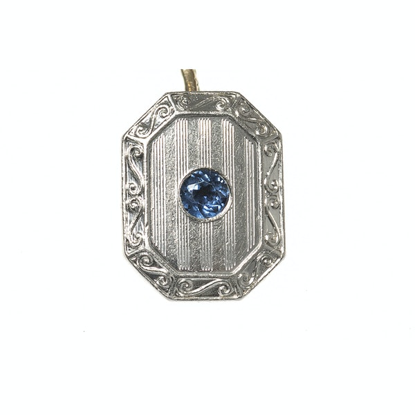 Antique Cufflinks in 14 Karat White Gold with Sapphire Centre, *USA circa 1920 - image 3