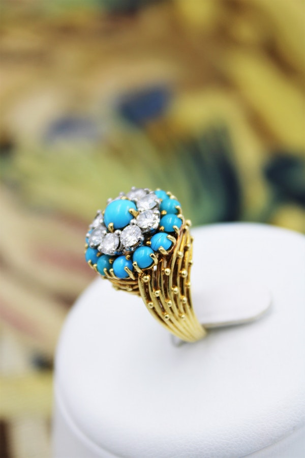 A stylish Turquoise & Diamond Cocktail Ring set in  18 Carat Yellow Gold, French, Circa 1960 - image 3