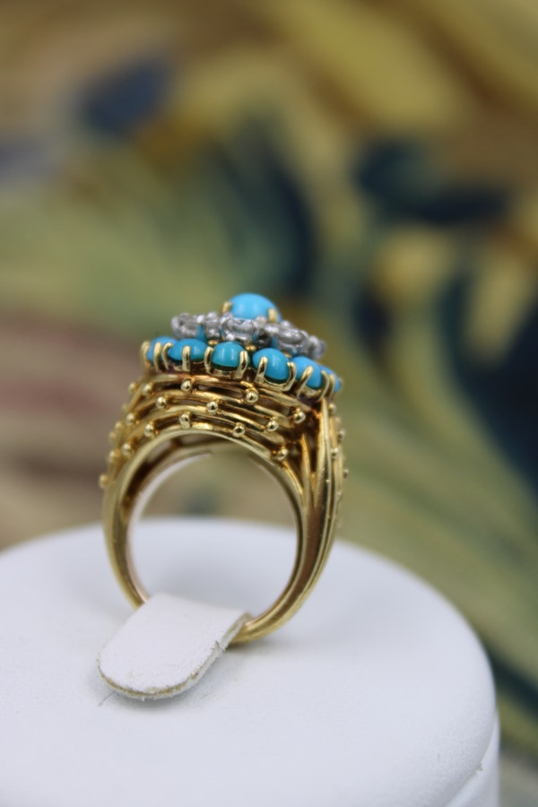 A stylish Turquoise & Diamond Cocktail Ring set in  18 Carat Yellow Gold, French, Circa 1960 - image 4