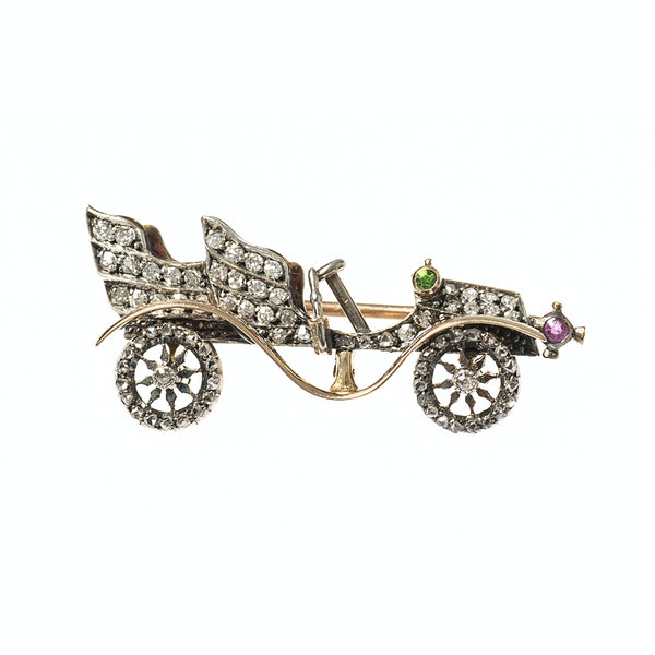Late 19th Century Diamond Set Brooch of a Vintage Car, English circa 1895. - image 1