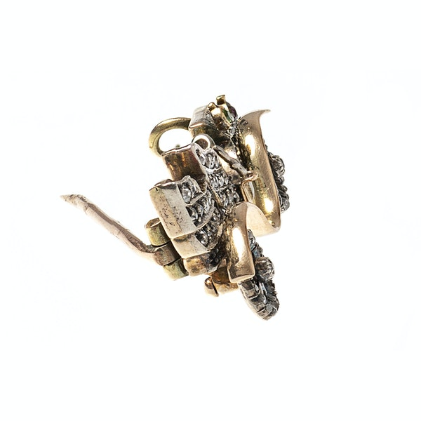 Late 19th Century Diamond Set Brooch of a Vintage Car, English circa 1895. - image 6