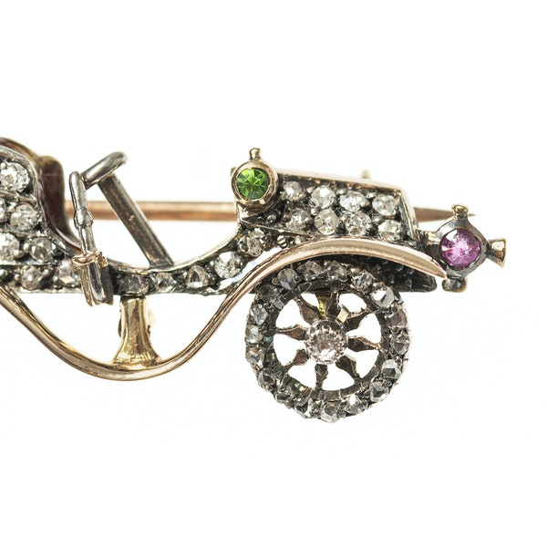 Late 19th Century Diamond Set Brooch of a Vintage Car, English circa 1895. - image 2