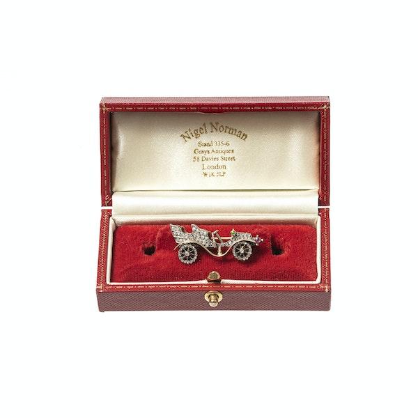 Late 19th Century Diamond Set Brooch of a Vintage Car, English circa 1895. - image 4