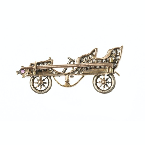Late 19th Century Diamond Set Brooch of a Vintage Car, English circa 1895. - image 5