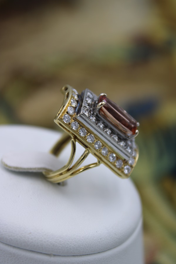An extraordinary Imperial Topaz and Diamond Dress Ring in 18 Carat Yellow & White Gold (marked), Circa 1960. - image 2
