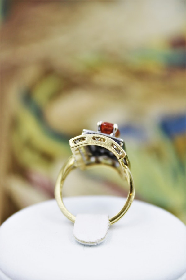 An extraordinary Imperial Topaz and Diamond Dress Ring in 18 Carat Yellow & White Gold (marked), Circa 1960. - image 3