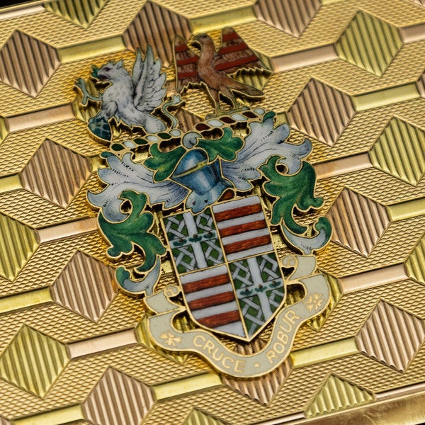 STUNNING 20thC ENGLISH PRESENTATION 18k SOLID GOLD & ENAMEL SNUFF BOX c.1958 - image 8