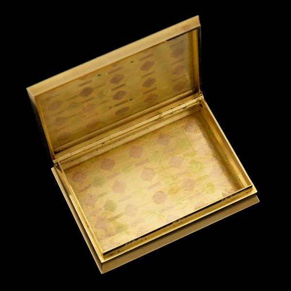 STUNNING 20thC ENGLISH PRESENTATION 18k SOLID GOLD & ENAMEL SNUFF BOX c.1958 - image 6