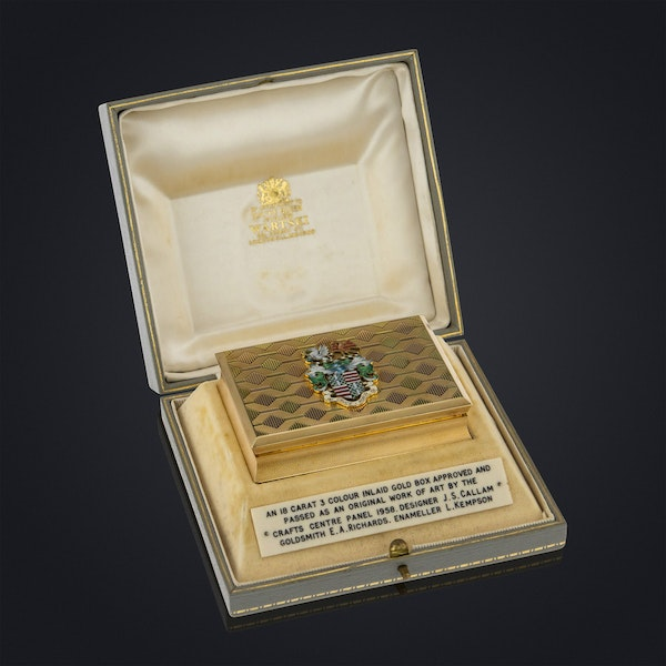 STUNNING 20thC ENGLISH PRESENTATION 18k SOLID GOLD & ENAMEL SNUFF BOX c.1958 - image 2