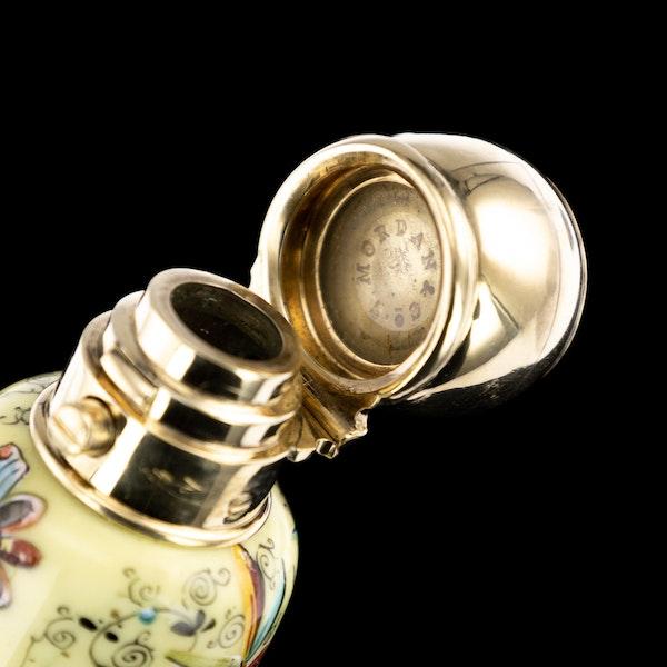 ANTIQUE 19thC VICTORIAN 18k GOLD & ENAMEL SCENT BOTTLE, SAMPSON MORDAN c.1880 - image 9