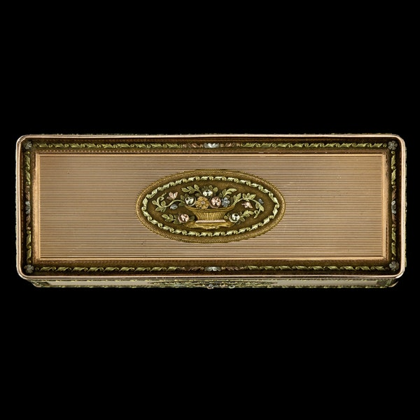 ANTIQUE 19thC RUSSIAN ROYAL PRESENTATION 14k THREE-COLOUR GOLD SNUFF BOX c.1820 - image 6