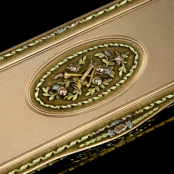 ANTIQUE 19thC RUSSIAN ROYAL PRESENTATION 14k THREE-COLOUR GOLD SNUFF BOX c.1820 - image 11