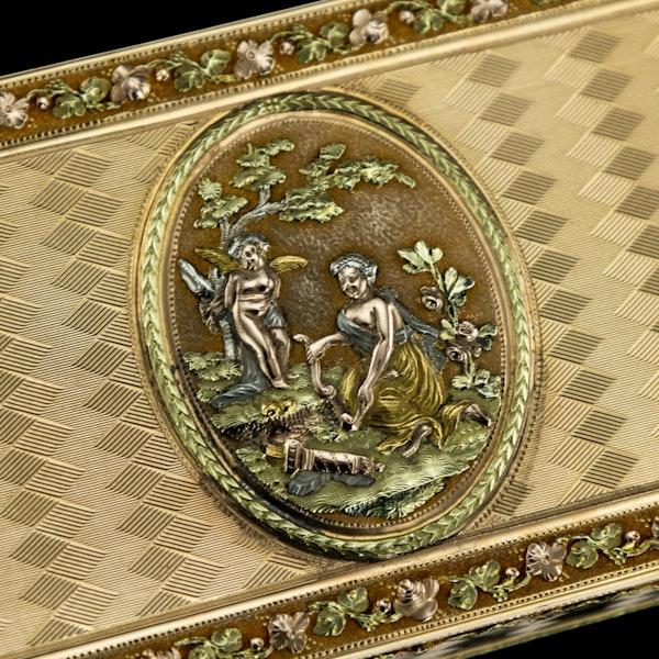 ANTIQUE 19thC SWISS 18k THREE-COLOUR GOLD SNUFF BOX, GENEVA c.1800 - image 11
