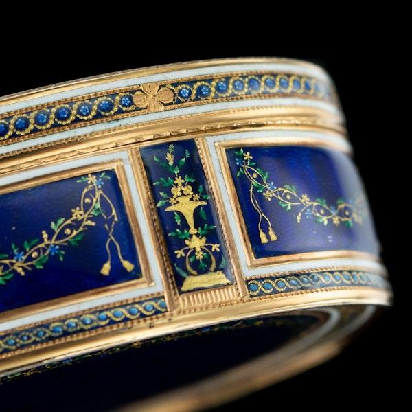 ANTIQUE 18thC FRENCH 18k GOLD & ENAMEL SNUFF BOX, PARIS c.1784 - image 9