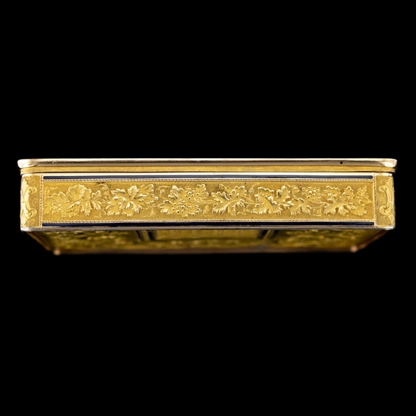ANTIQUE 19thC SWISS 18k GOLD & ENAMEL SNUFF BOX, GENEVA c.1800 - image 4