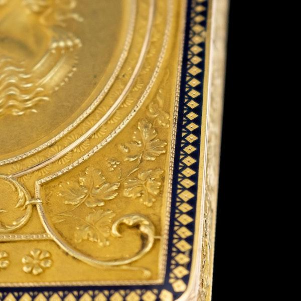 ANTIQUE 19thC SWISS 18k GOLD & ENAMEL SNUFF BOX, GENEVA c.1800 - image 11