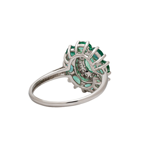 Oval emeralds ring - image 3