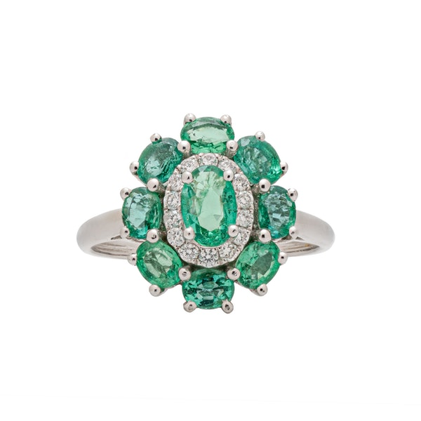 Oval emeralds ring - image 2