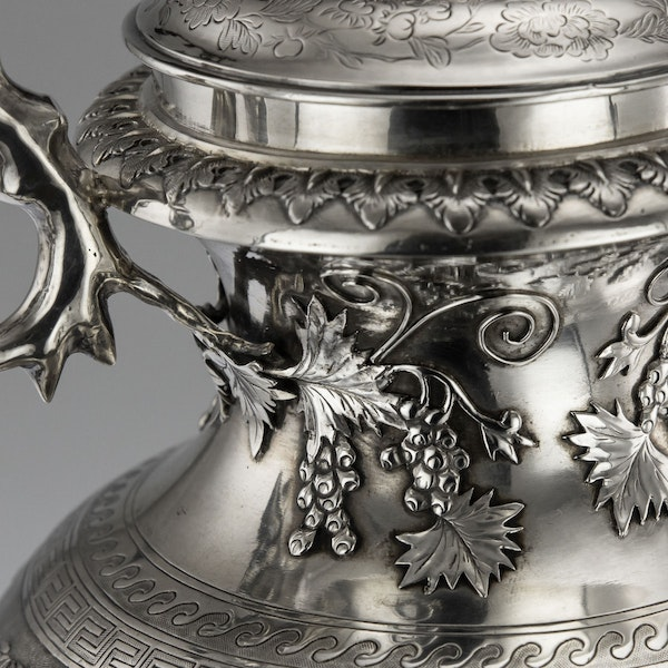 ANTIQUE 19thC CHINESE EXPORT SILVER TWO-HANDLE CUP & COVER, LUEN WO c.1880 - image 9