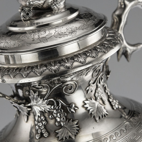 ANTIQUE 19thC CHINESE EXPORT SILVER TWO-HANDLE CUP & COVER, LUEN WO c.1880 - image 8