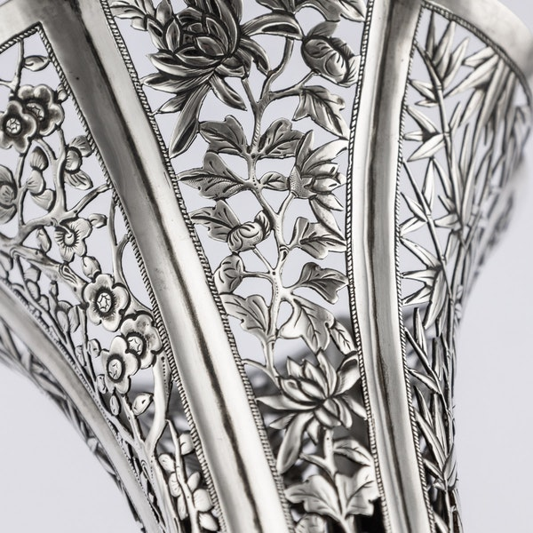 ANTIQUE 19thC CHINESE EXPORT SOLID SILVER DRAGON EPERGNE, HUNG CHONG & CO c.1890 - image 10