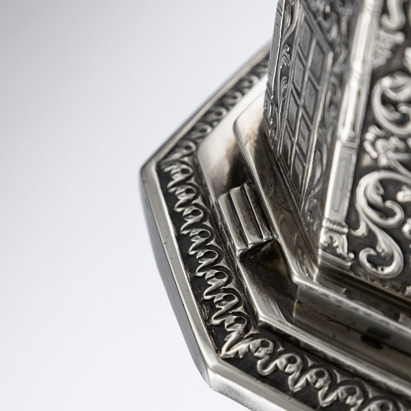 ANTIQUE 20thC INDIAN SOLID SILVER TEMPLE SHAPED TEA CADDY, OOMERSI MAWJI c.1920 - image 14