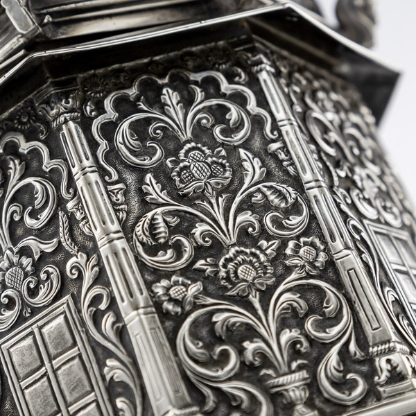 ANTIQUE 20thC INDIAN SOLID SILVER TEMPLE SHAPED TEA CADDY, OOMERSI MAWJI c.1920 - image 12