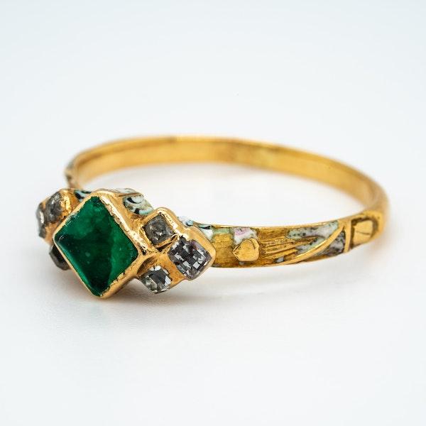 Emerald diamond white enamel 17th century ring - image 3