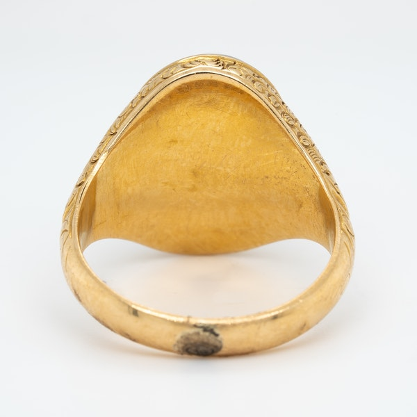Victorian cabochon garnet ring - image 4