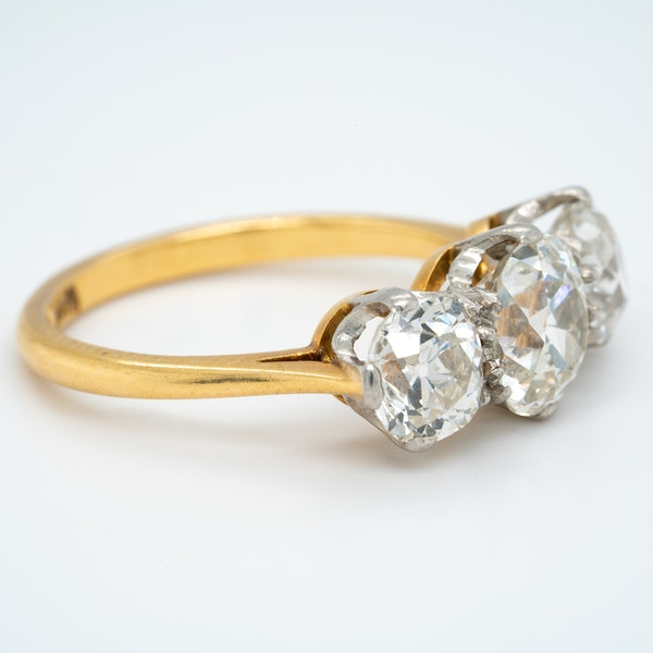 Victorian 3 stone diamond ring - image 2