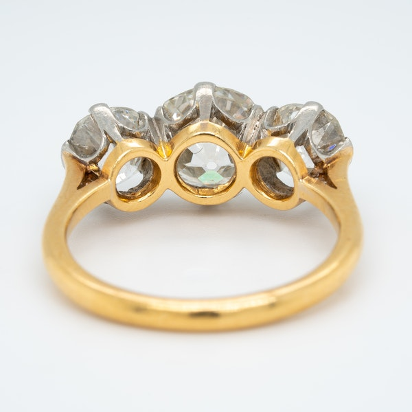 Victorian 3 stone diamond ring - image 4