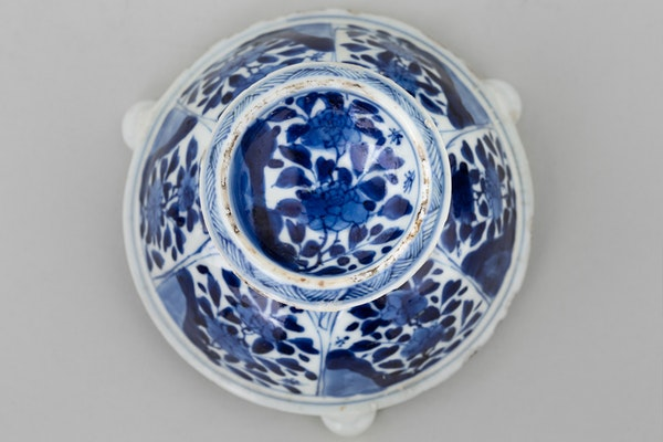 A NEAR PAIR OF CHINESE BLUE AND WHITE TRIPOD SALTS, - image 2
