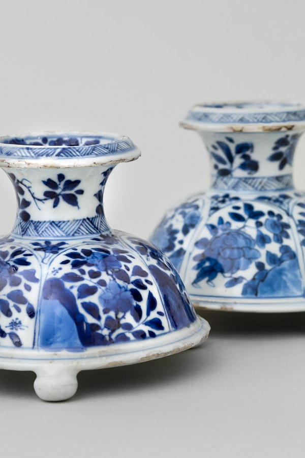 A NEAR PAIR OF CHINESE BLUE AND WHITE TRIPOD SALTS, - image 3