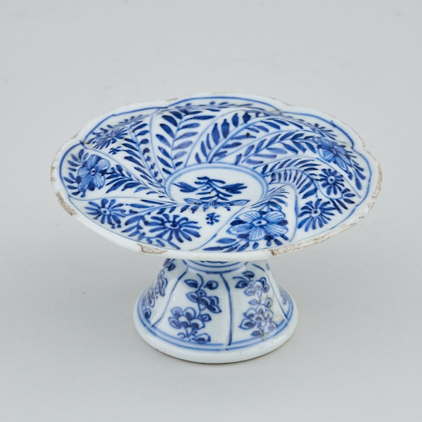 A CHINESE BLUE AND WHITE SPIRAL FORM SALT, KANGXI (1662-1722) - image 1