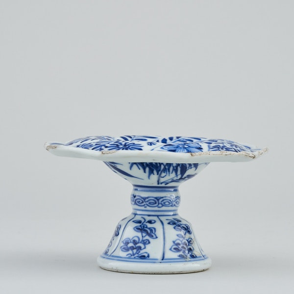 A CHINESE BLUE AND WHITE SPIRAL FORM SALT, KANGXI (1662-1722) - image 2