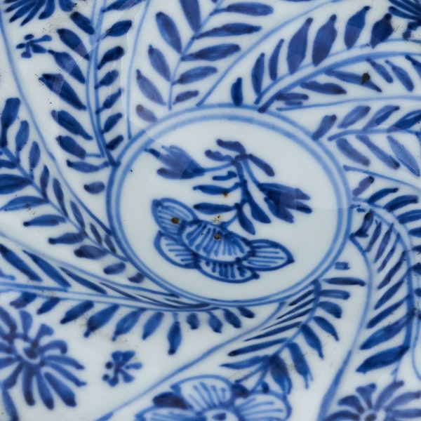 A CHINESE BLUE AND WHITE SPIRAL FORM SALT, KANGXI (1662-1722) - image 3