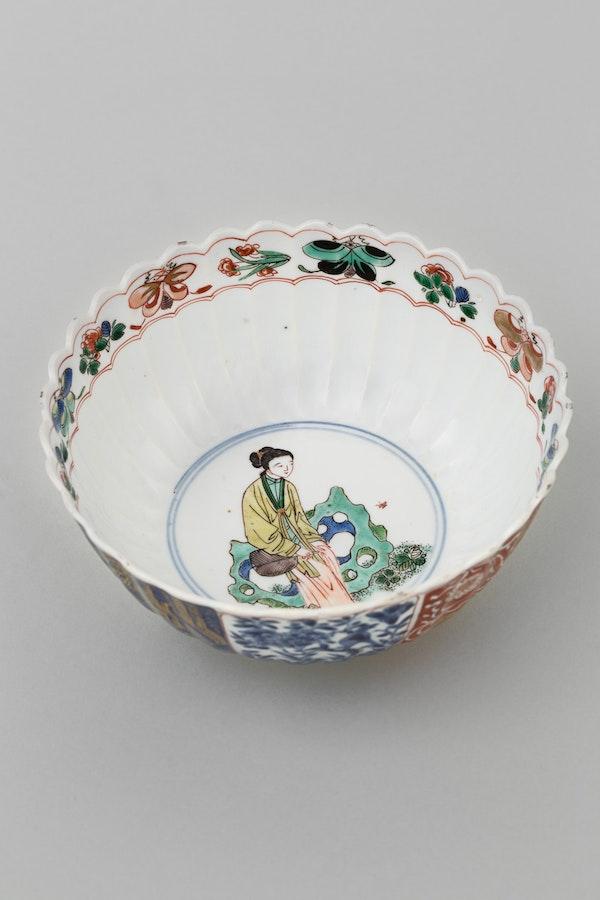 A CHINESE FAMILLE VERTE BOWL, KANGXI (1662-1722) - image 1
